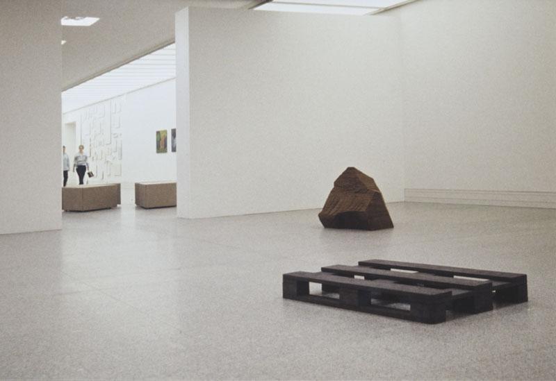 Träger, Schichtung und 8 mal 1, Ausstellungsansicht Bundeskunsthalle Bonn