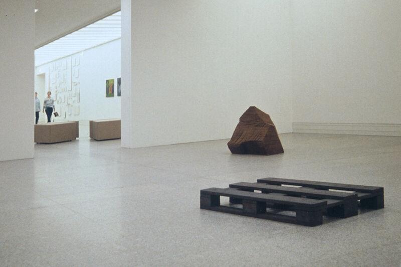 Ausstellungsansicht Bundeskunsthalle Bonn, 8 mal 1, Träger und Schichtung